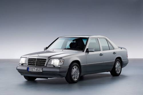Mercedes-Benz W 124 Седан